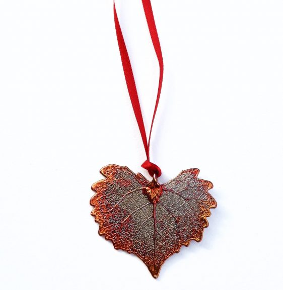 heart-leaf-christmas-decoration