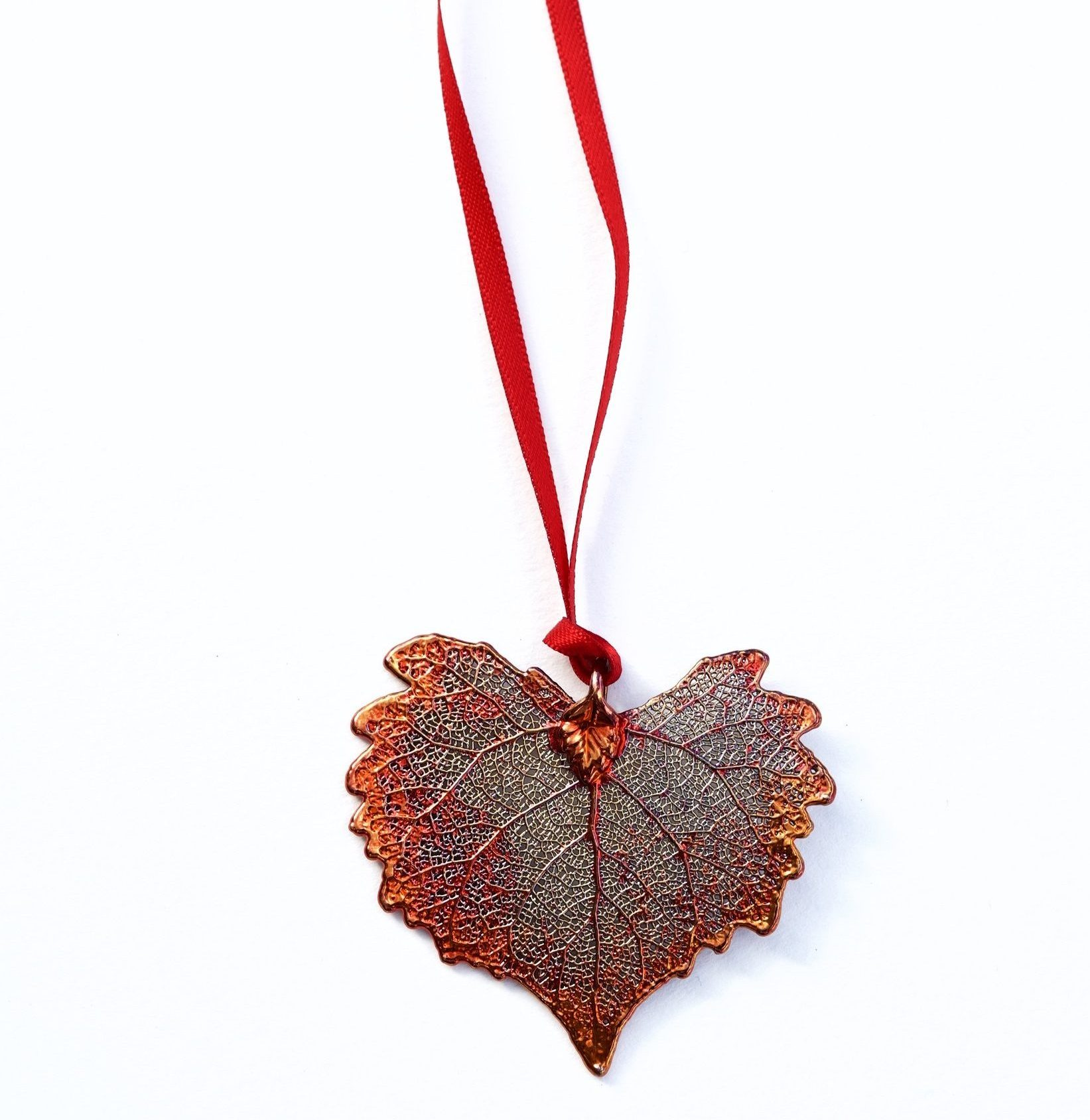 heart-leaf-christmas-decoration